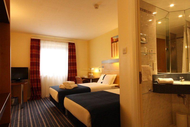 Londýn - hotel Holiday Inn Express Croydon - twin room